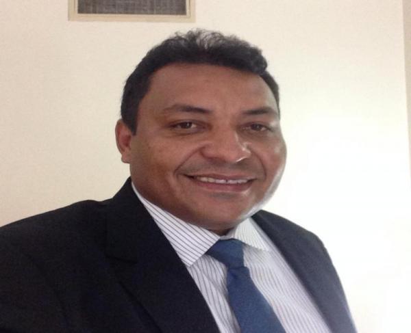 Prefeito de Novo Oriente do Piauí, Arnilton Nogueira
