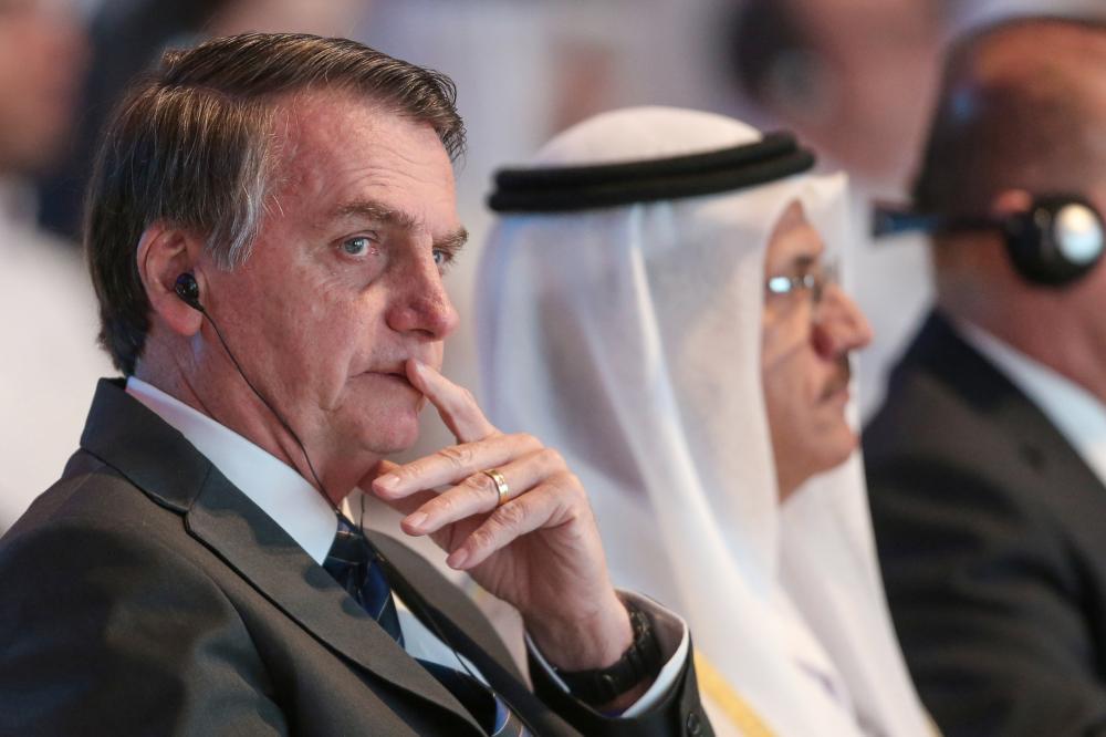 Bolsonaro diz que conversava com Queiroz sobre demissões e que caso de Cileide 'é normal'