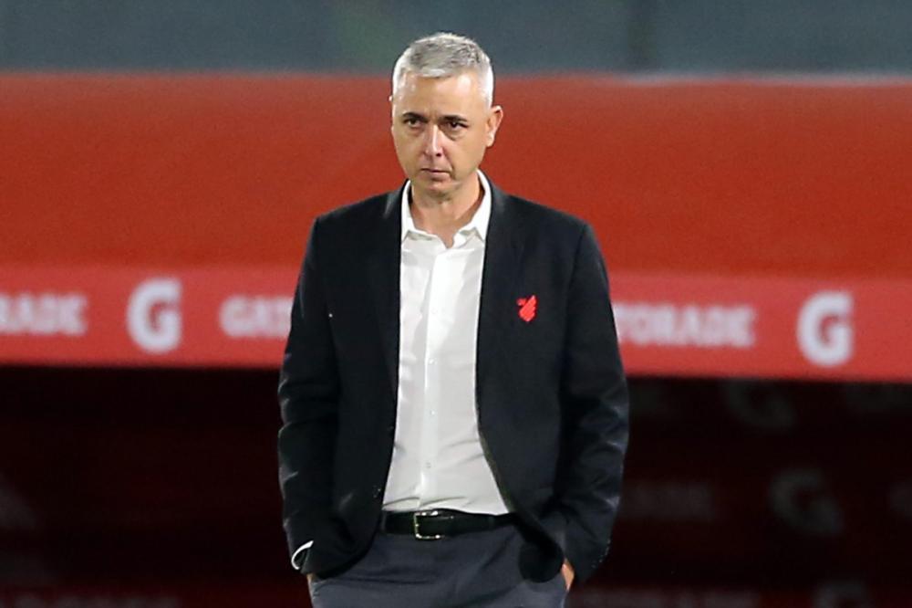 Tiago Nunes aceita proposta e Corinthians insiste por chegada imediata