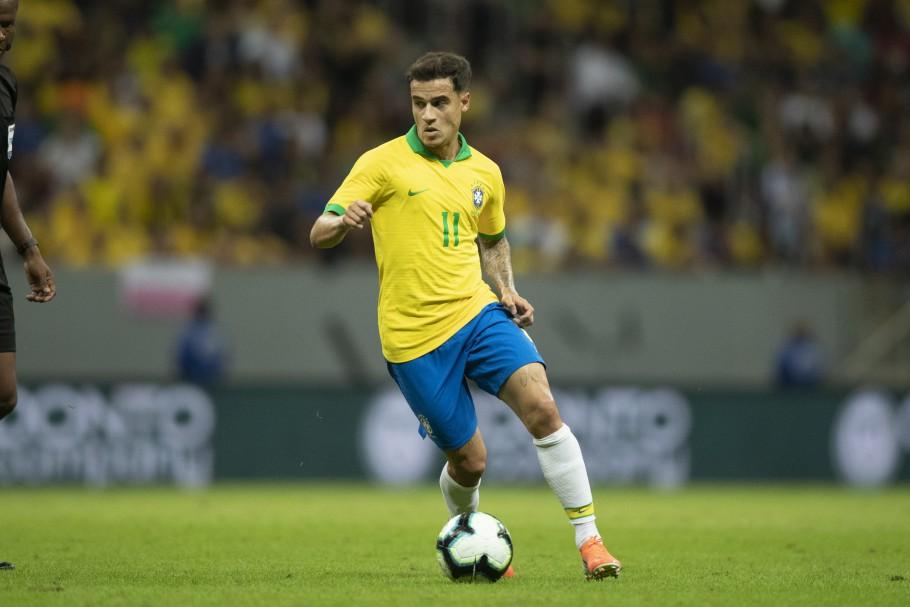 Autor de gol de falta, Coutinho valoriza triunfo em momento de pressão
