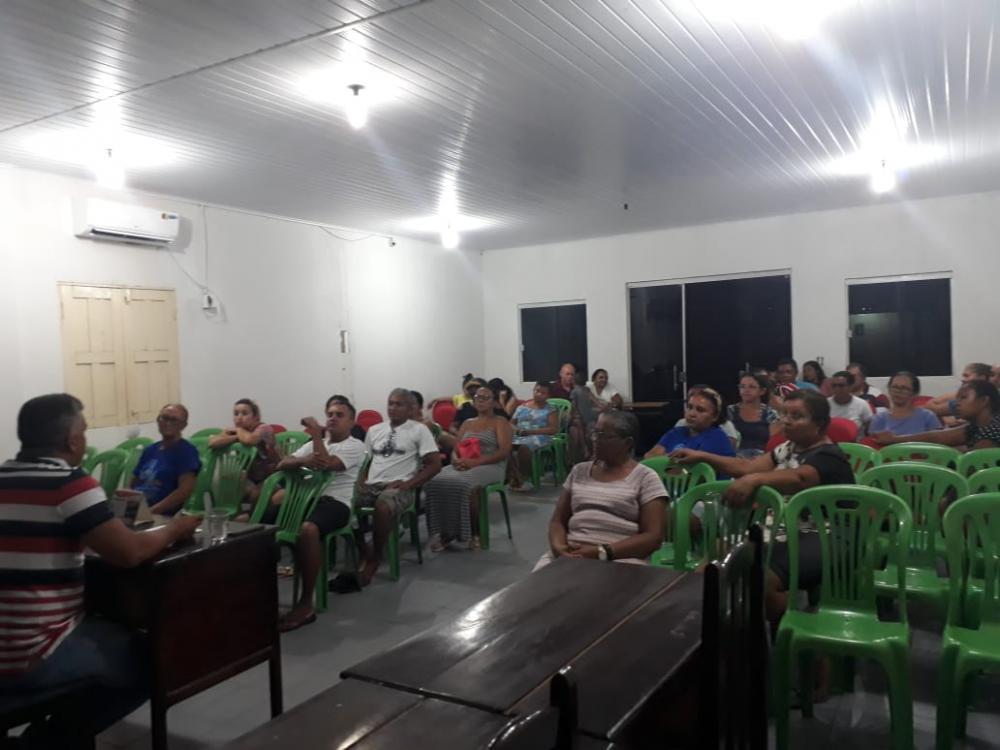 Funcionários de Barreira do Piauí entram em greve por tempo indeterminado.
