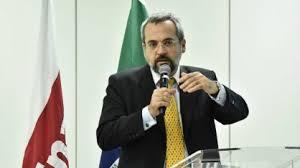 Ministro confirma 12,84% de reajuste no piso dos professores