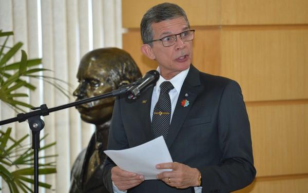 General que foi Ministro do Temer, agora concede gratificações milionárias como Presidente de ITAIPÚ