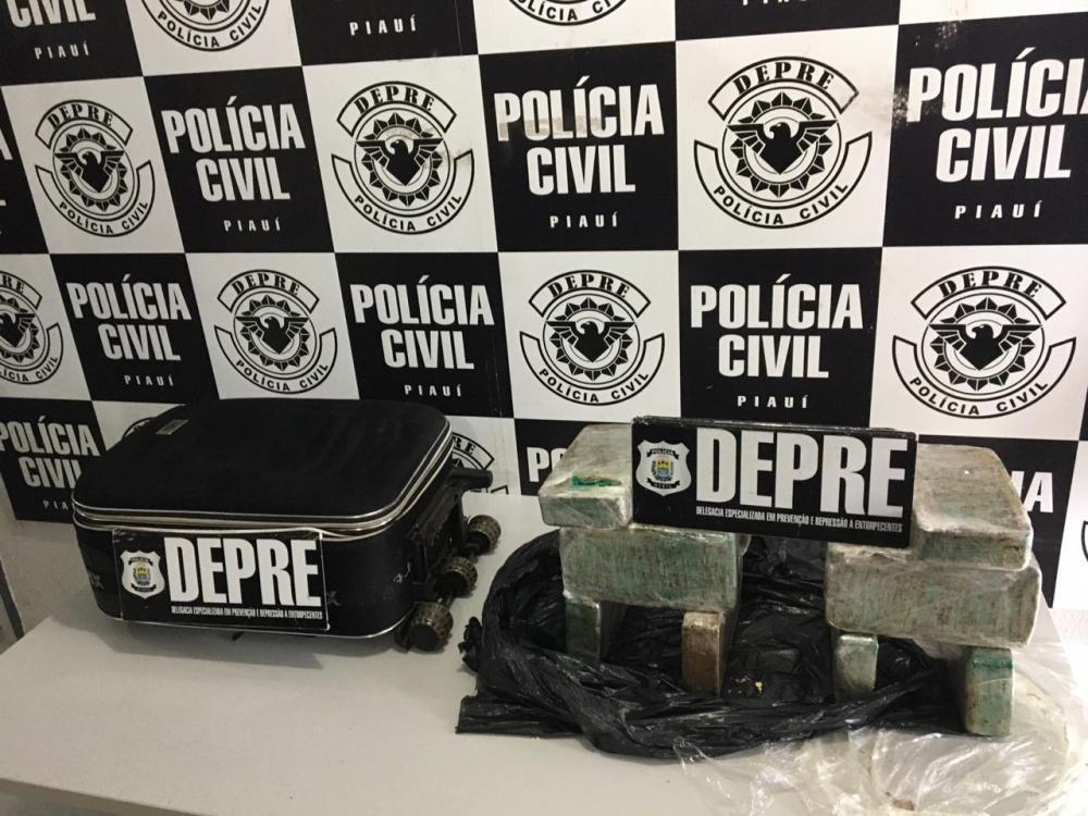 Casal é preso com 10kg de crack avaliado em R$200 mil no Centro de THE