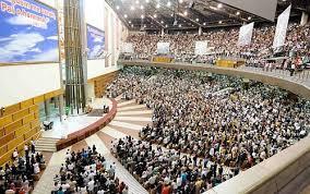 Justiça Federal libera funcionamento de igrejas e lotéricas