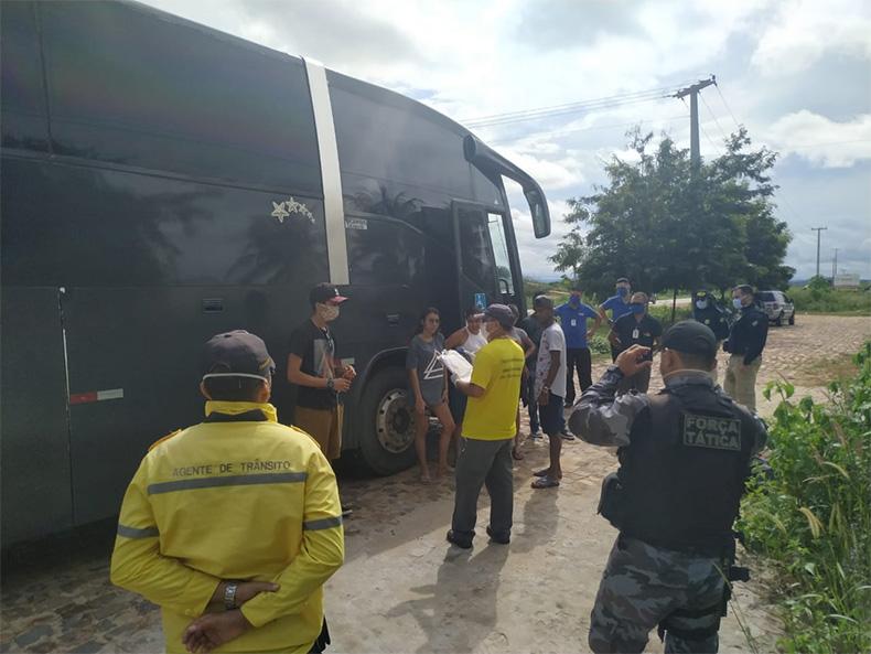 MP é acionado para barrar entrada de ônibus clandestinos em Picos