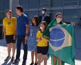 Bolsonaro volta a participar de atos contra Congresso e STF