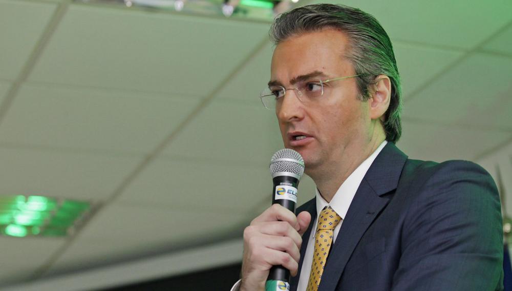 Bolsonaro nomeia delegado Rolando de Souza para comando da PF