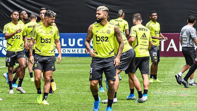 Flamengo revela que três atletas testaram positivo para covid-19