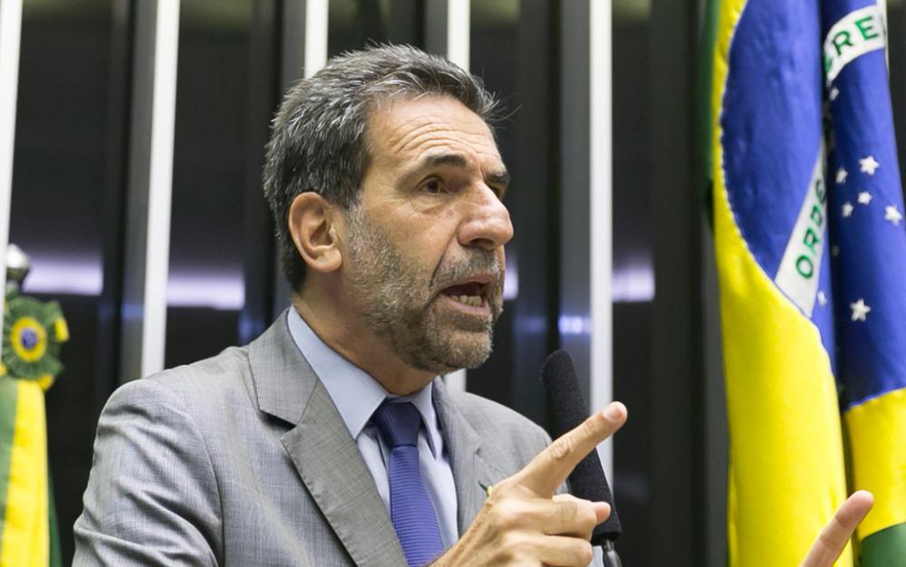 PT defende CPI para investigar acusação de Paulo Marinho contra Bolsonaro