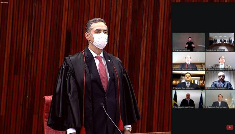 Barroso toma posse como presidente do TSE