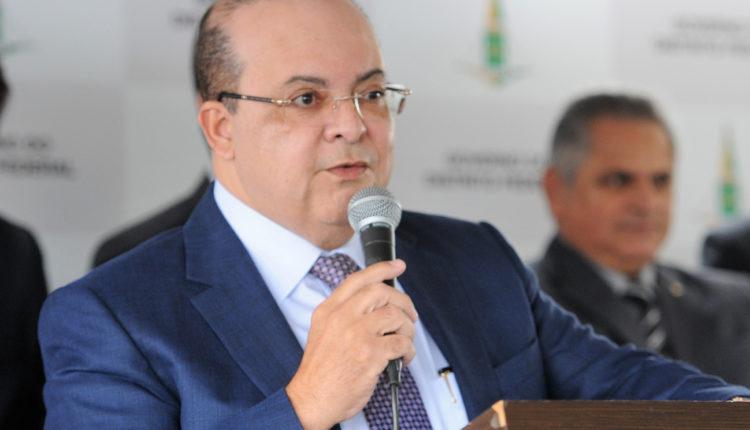 Governador Ibaneis passa por cirurgia de emergência