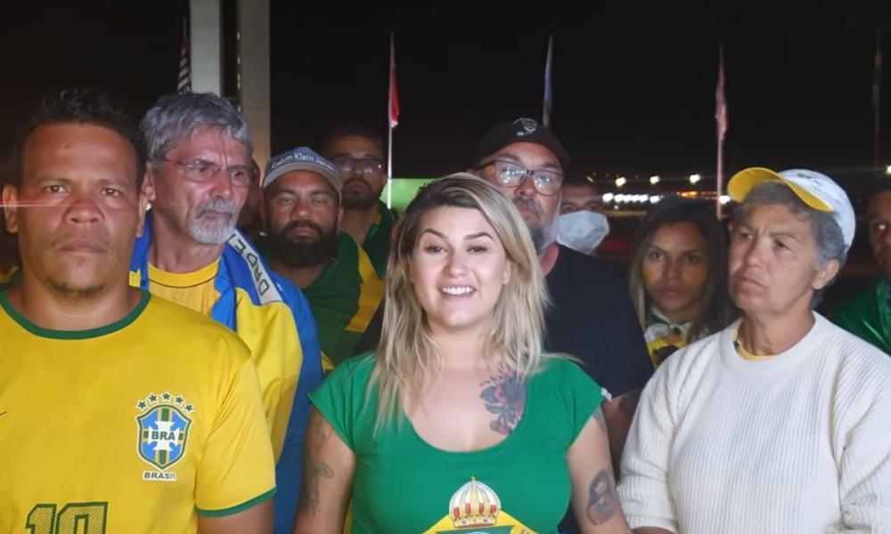 DEM expulsa Militante Bolsonarista Sara Winter