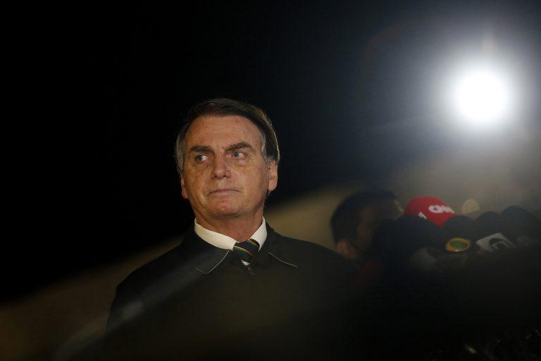 JAIR BOLSONARO COMETE CRIME DE RESPONSABILIDADE AO MANIPULAR NÚMEROS DA COVID-19