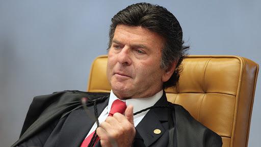 Ministro do STF Luiz Fux diz que Forças Armadas não são 'poder moderador' e não podem intervir nos Poderes
