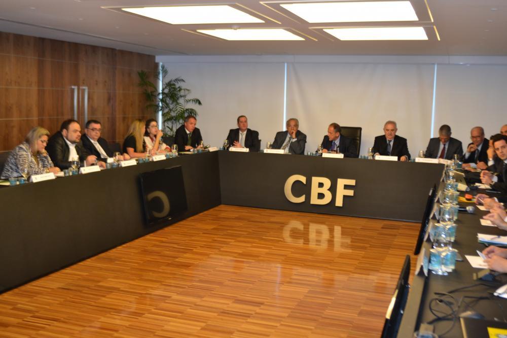 CBF e clubes projetam início de Brasileiro para 8 e 9 de agosto e jogos até fevereiro